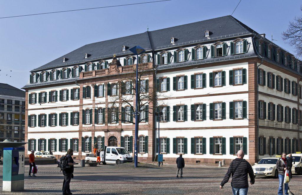 Stiftungsaufsicht: Hier das Regierungspräsidium in Darmstadt.