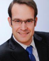 Dr_Strauch_web-200x300