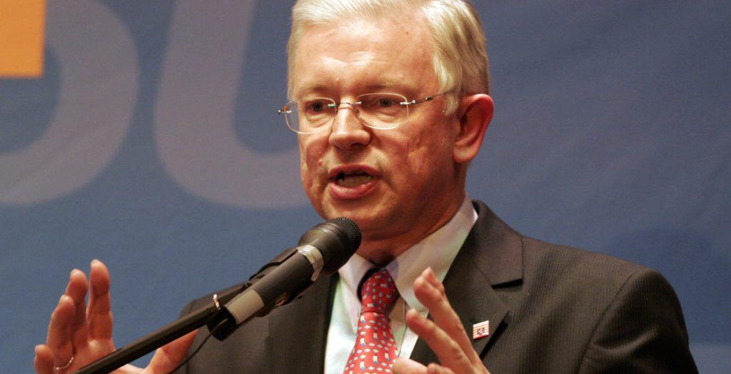 Roland Koch im Wahlkampf 2008