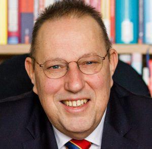 Ulrich Burgard ist Professor für Bürgerliches Recht, Handels- und Wirtschaftsrecht an der Otto-von-Guericke-Universität Magdeburg.