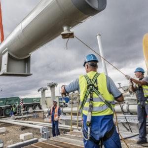 Installation der Molchschleusen auf der Nord Stream 2-Baustelle in Lubmin