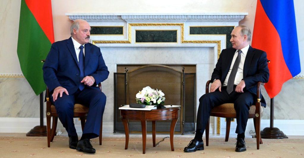 Alexander Lukaschenka im Gespräch mit dem russischen Präsidenten Wladimir Putin.