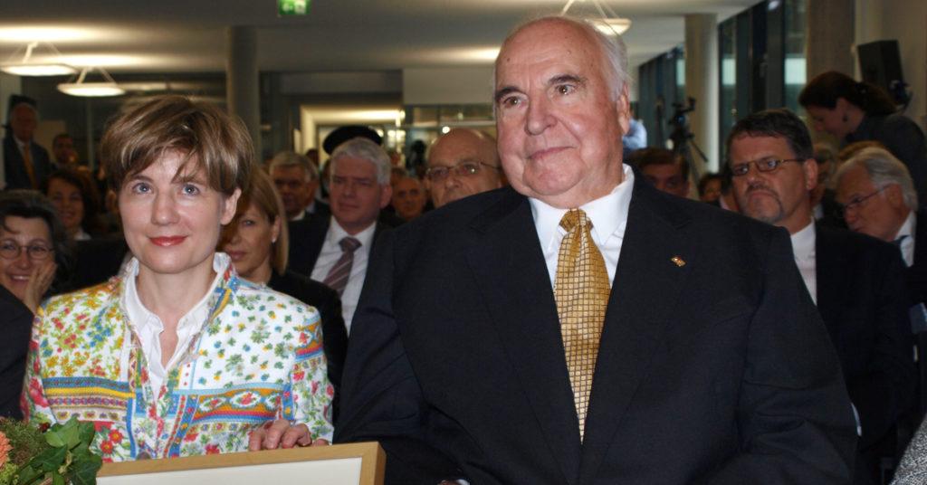 Helmut Kohl mit seiner zweiten Ehefrau, Maike Kohl-Richter, im Jahr 2009